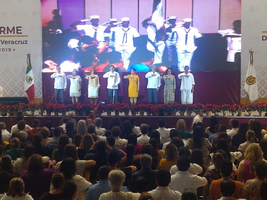 Presentó presidenta del DIF estatal, primer informe de actividades