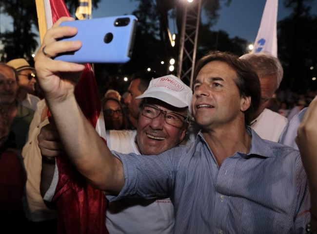 Lacalle gana elecciones en Uruguay