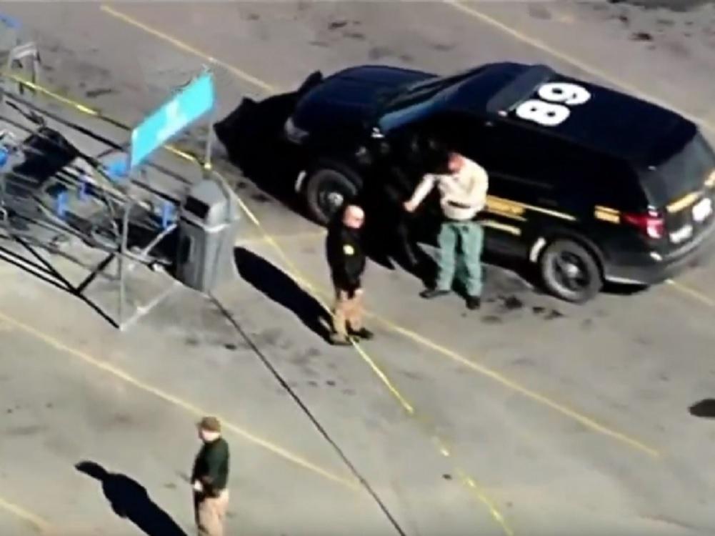 Mueren tres en tiroteo en Walmart de Oklahoma