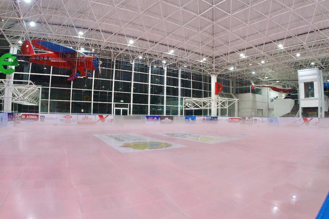 Esta noche será inaugurada la pista de hielo de Xalapa
