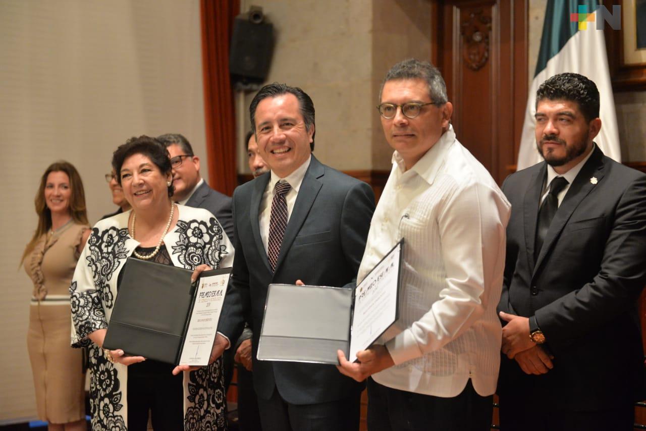 Tras nueve años, entrega gobernador Cuitláhuac García el Premio Estatal de Ciencia y Tecnología 2019