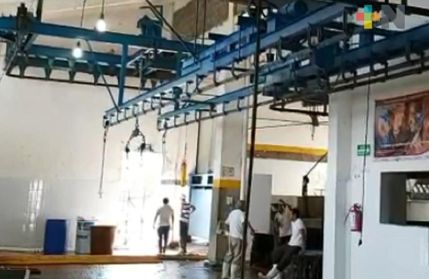 Rastro municipal de Tuxpan garantiza protocolos sanitarios