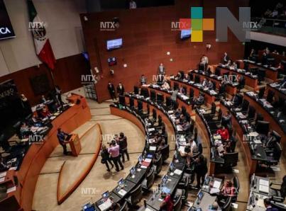 Senado recibe iniciativas de AMLO para reformar sistema de justicia