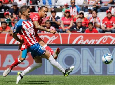 Ya sin opciones de Liguilla, Guadalajara remonta y vence 3-1 a Toluca