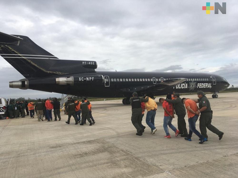 Trasladan a 171 PPL de Veracruz a centros penitenciarios federales