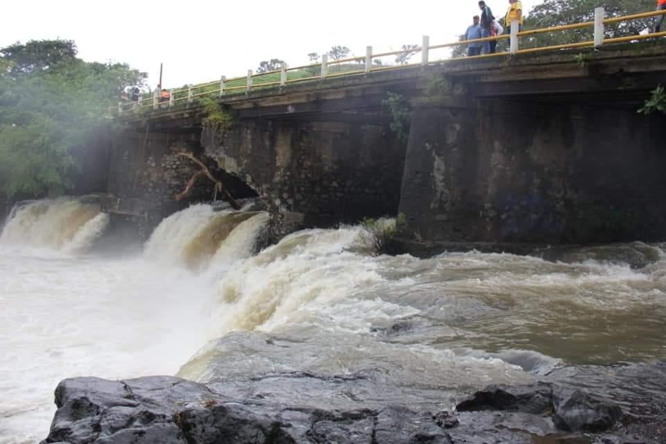 Fueron abiertas compuertas de presa Canseco en Los Tuxtlas