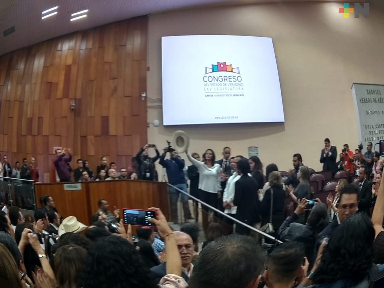 Congreso de Veracruz rinde homenaje póstumo a Juan Carlos Molina