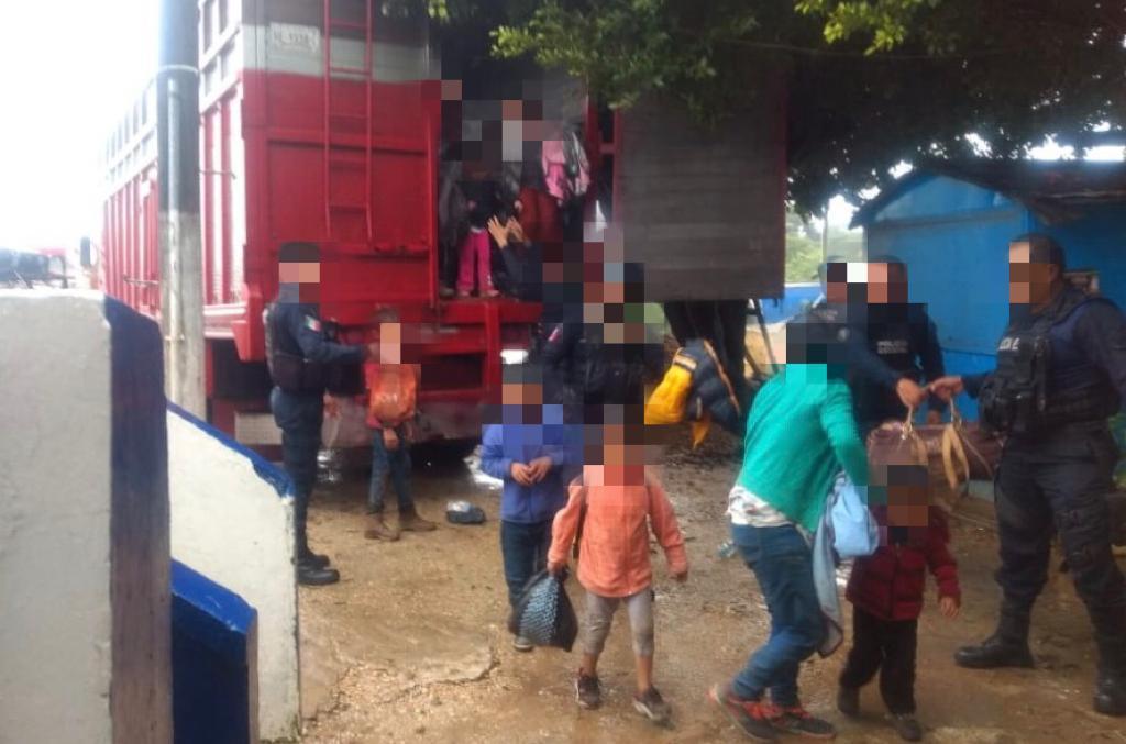 Rescata SSP a cien migrantes, hay dos detenidos