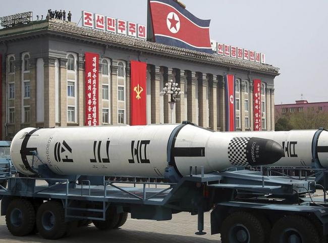 Corea del Norte advierte a Japón con lanzamiento de un misil balístico