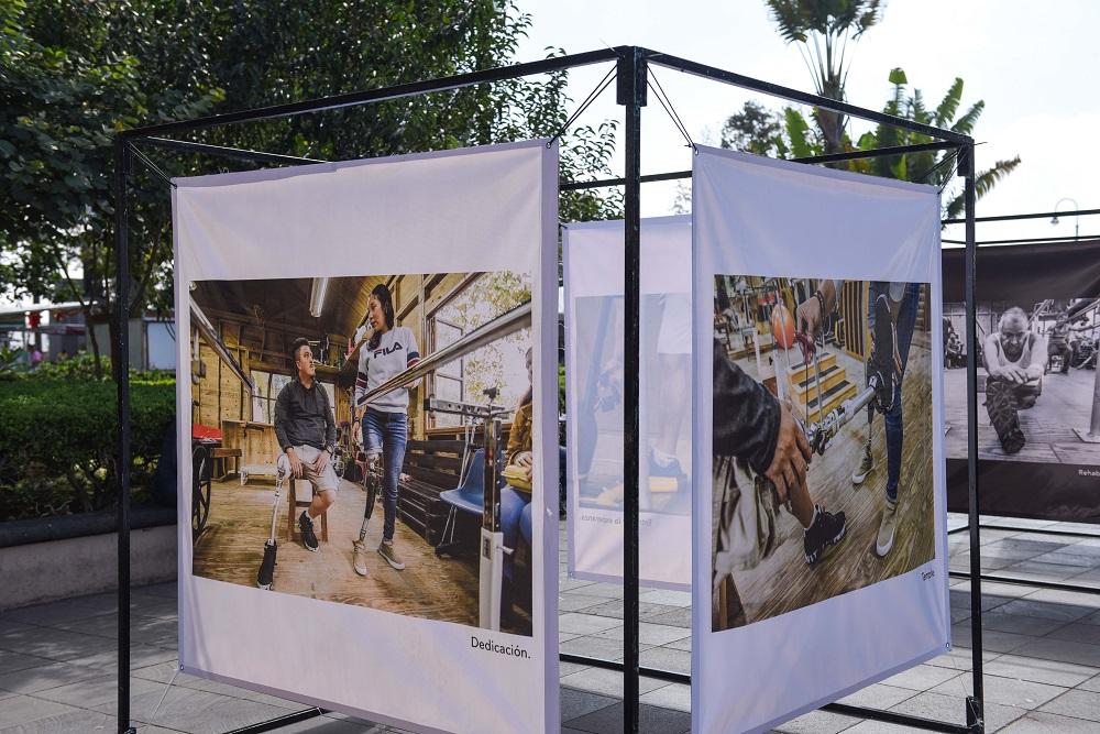 Exposición Artífices de Esperanza, en el parque Benito Juárez