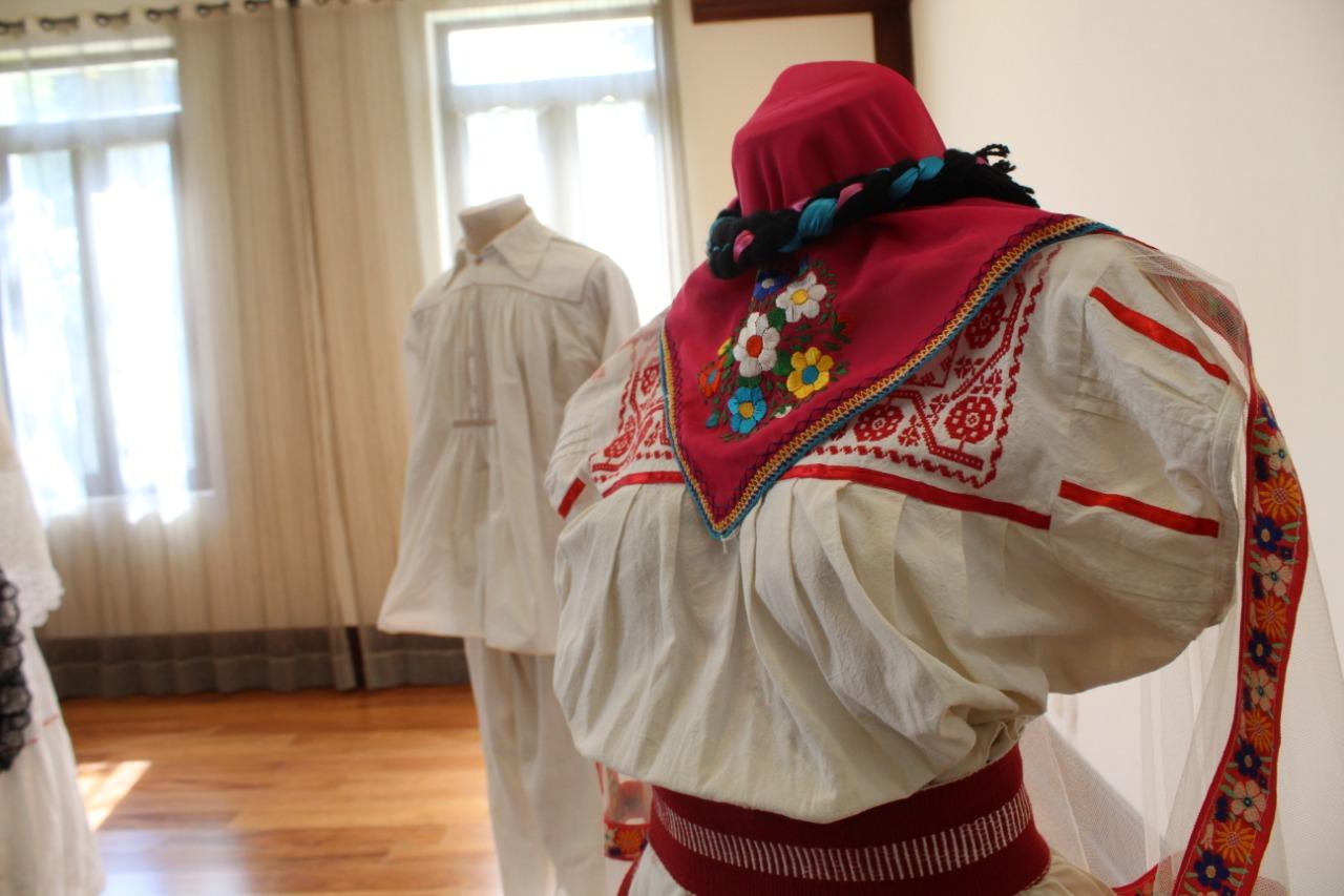 Presenta IVEC en Complejo Cultural Los Pinos exposiciones que plasman la identidad y el folclor veracruzanos