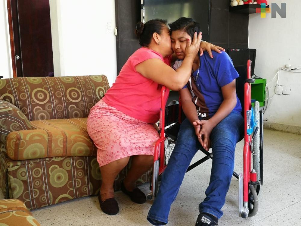 Familia de menor accidentado solicita apoyo para comprar prótesis