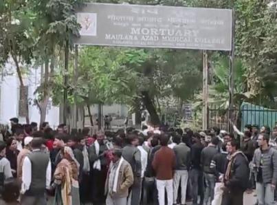 Incendio en talleres deja 43 muertos en Delhi
