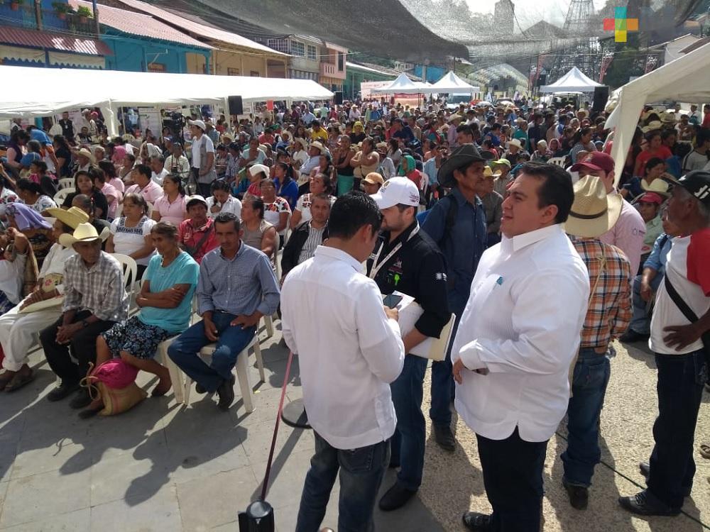 Jornadas Itinerantes del Registro Civil beneficiaron a 400 personas en Ixhuatlán de Madero