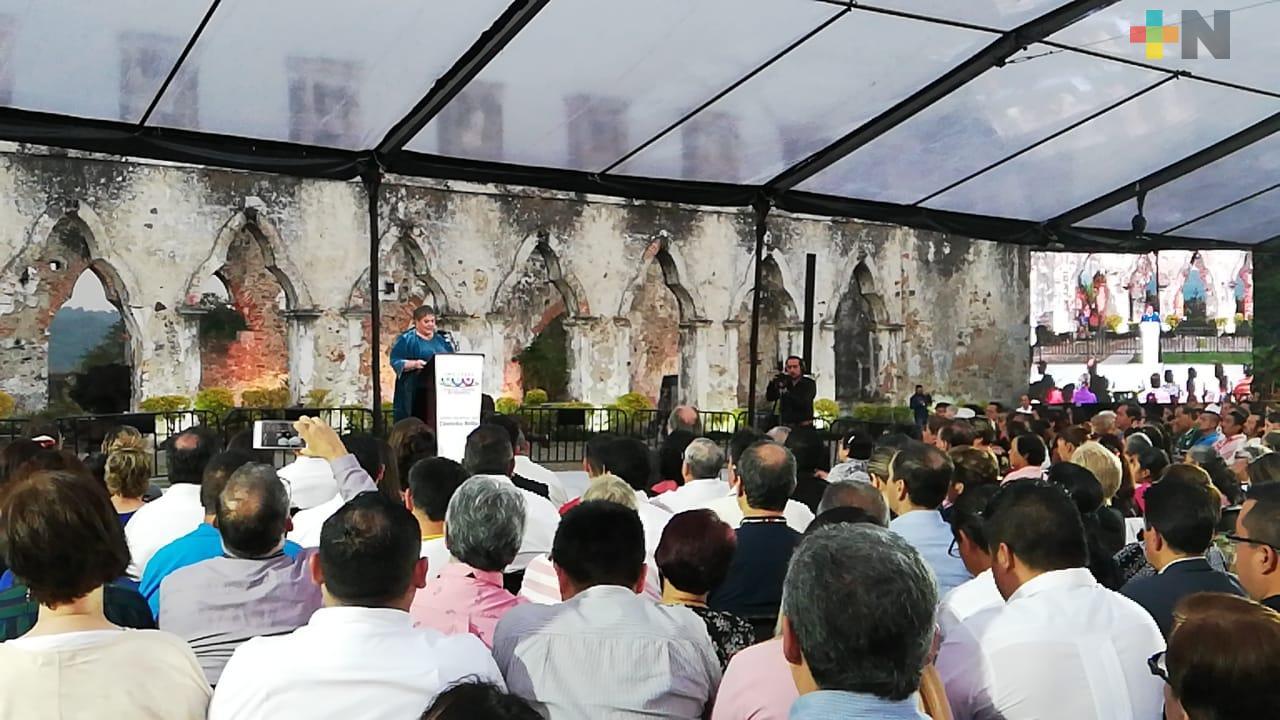 Alcaldesa de Córdoba agradece apoyo del Gobierno estatal durante su segundo informe de labores