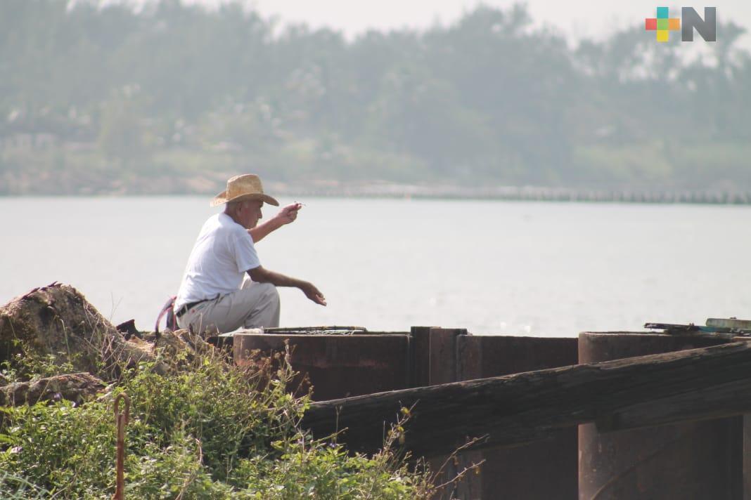 Pescadores confirman contaminación de río Coatzacoalcos por complejos petroquímicos