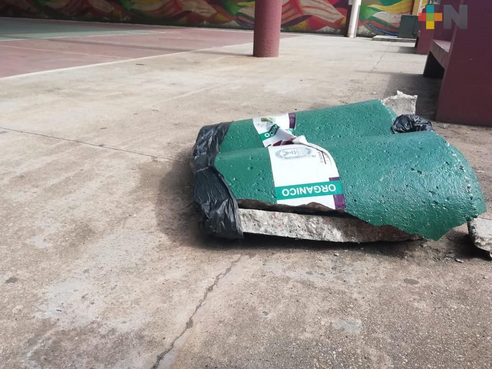 Por segunda ocasión destruyen contenedores de basura en el puerto de Coatzacoalcos