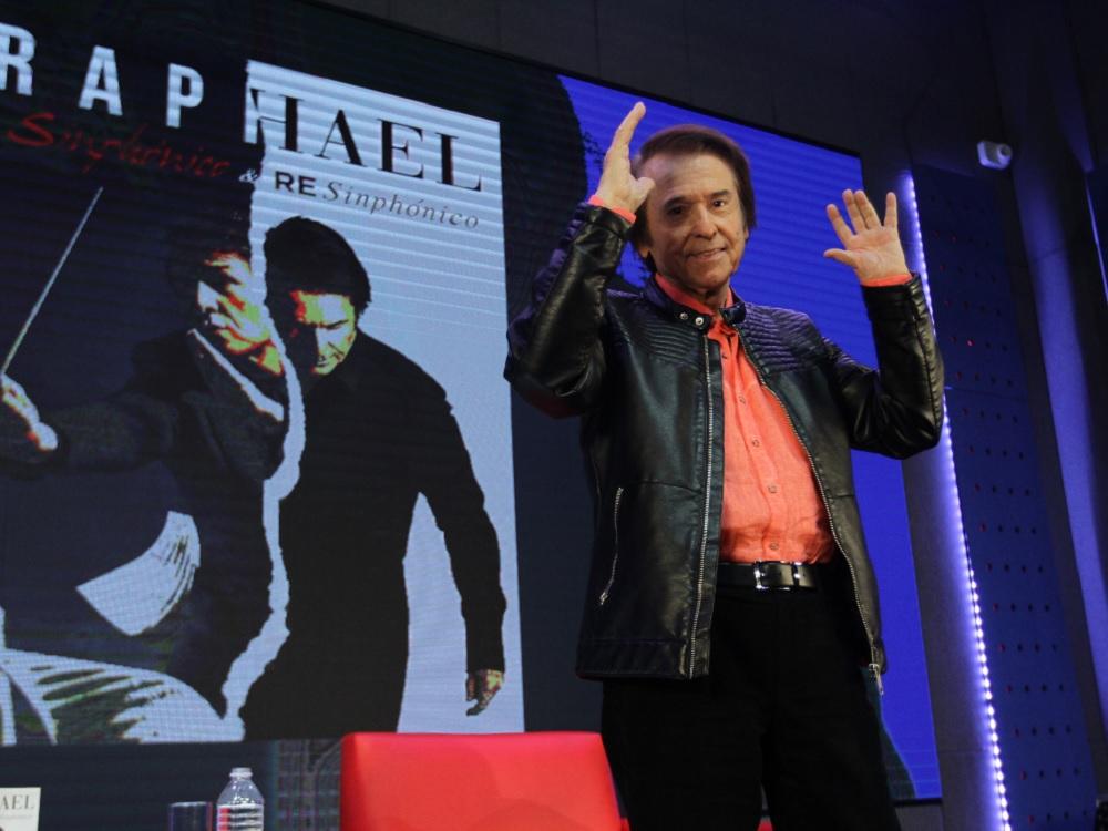 Raphael rechaza los homenajes en vida