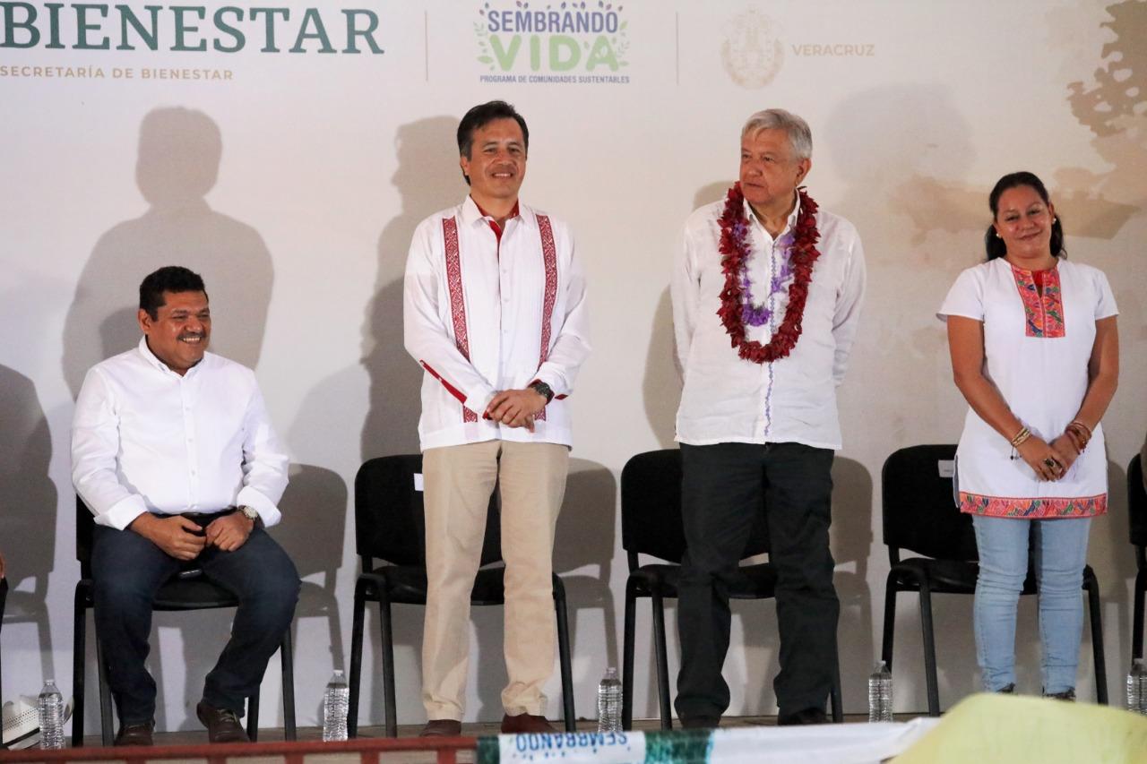 Gobierno federal y estatal reconstruirán carretera Hidalgotitlán-Minatitlán