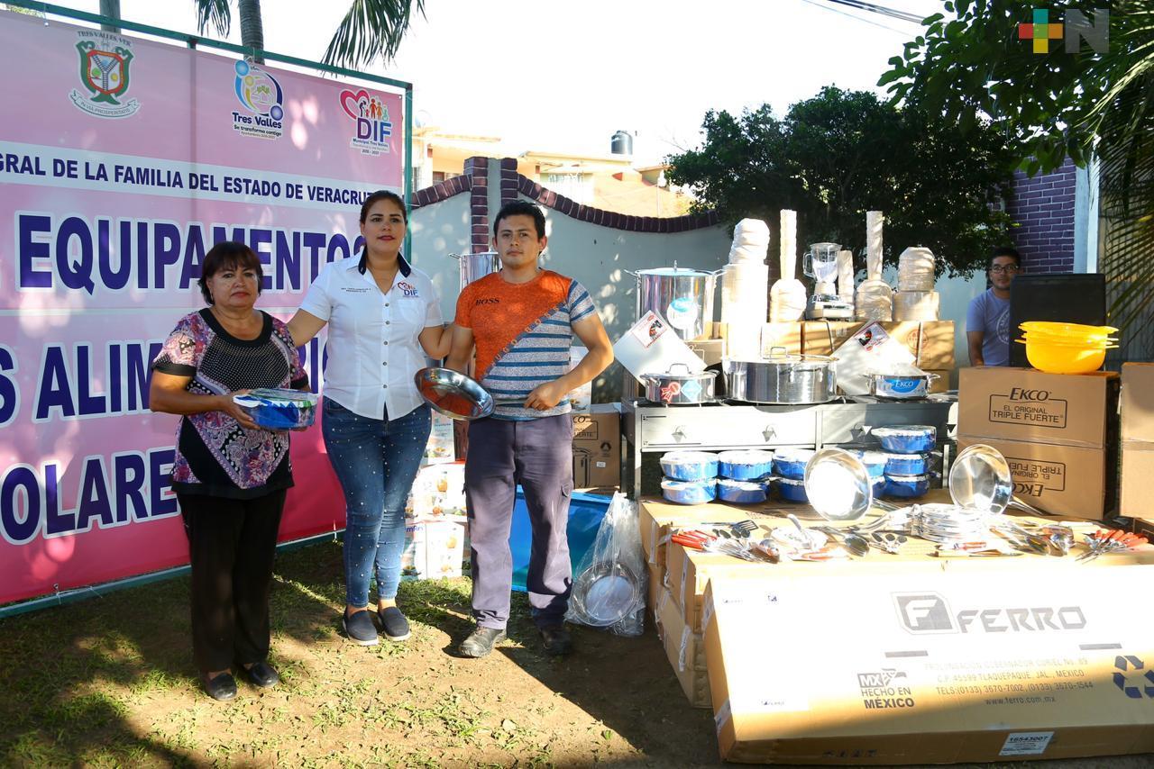 Equipa DIF cocinas escolares en zonas indígenas