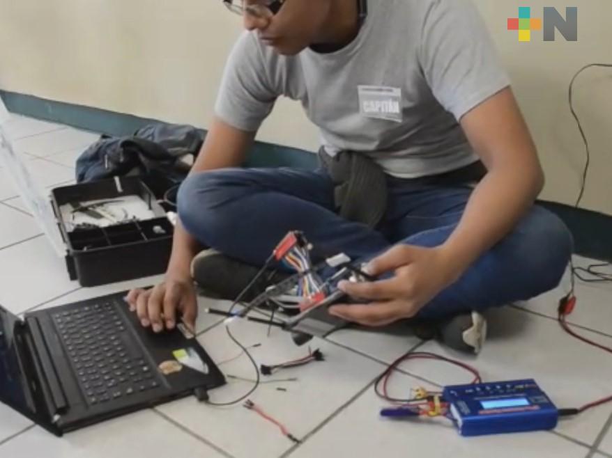 Tecnológico de Tantoyuca instruye a jóvenes y niños interesados en la robótica