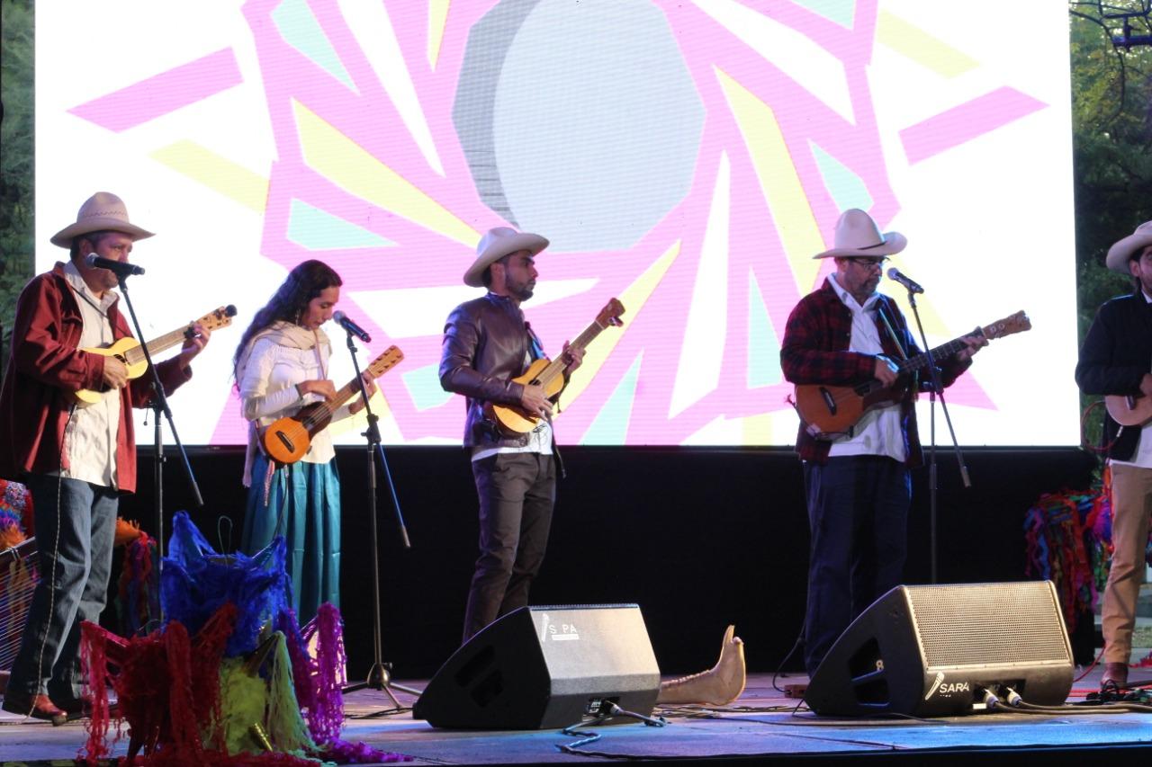 Inicia Veracruz en Los Pinos