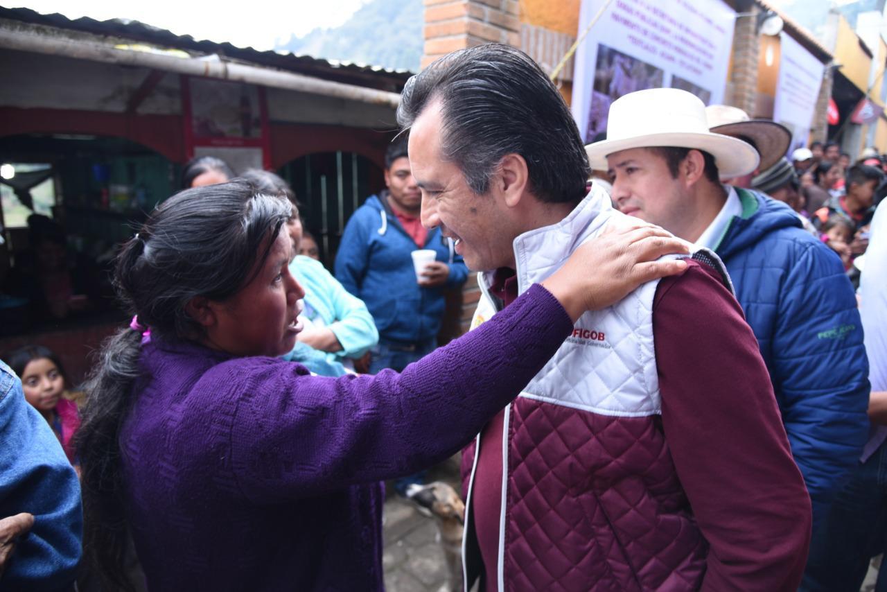 Visitó Soledad Atzompa el gobernador Cuitláhuac García; llegó a acuerdo con pobladores