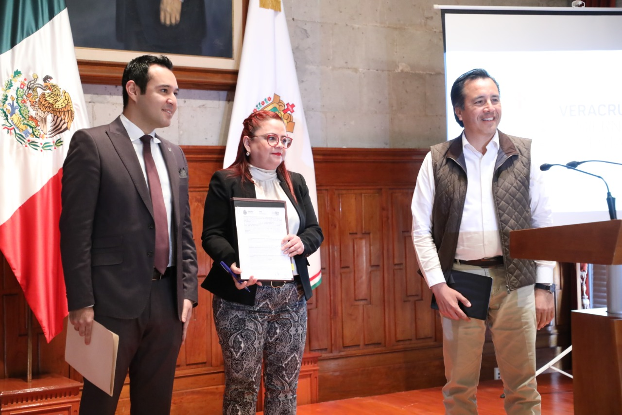 Cuitláhuac García sigue con el rescate de las finanzas del IPE y la UV