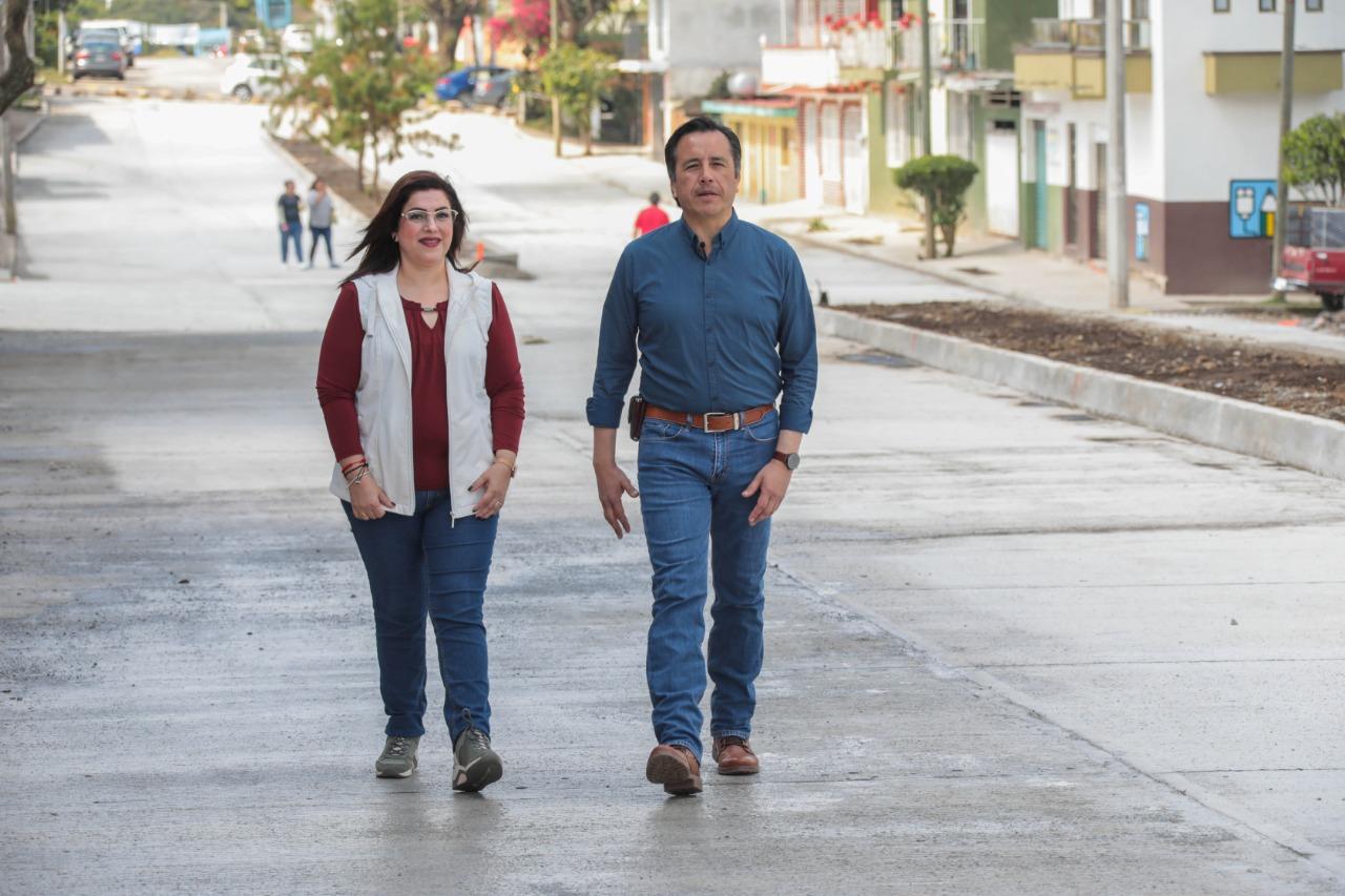 Supervisó Cuitláhuac García Jiménez pavimentación de la calle Rafael Aguirre Cinta