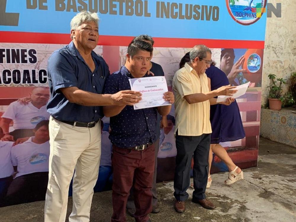 """Equipo de Básquetbol inclusivo """"Delfines de Coatzacoalcos"""", celebró aniversario"""