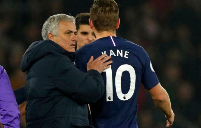 José Mourinho a favor de reanudar y completar Premier League