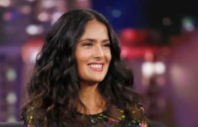 Salma Hayek entregará premio en los Globo de Oro 2020