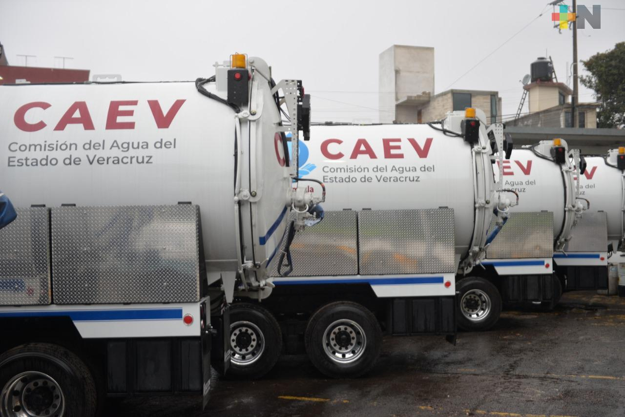 Prioriza CAEV servicio de agua a clínicas y hospitales de Tuxpan