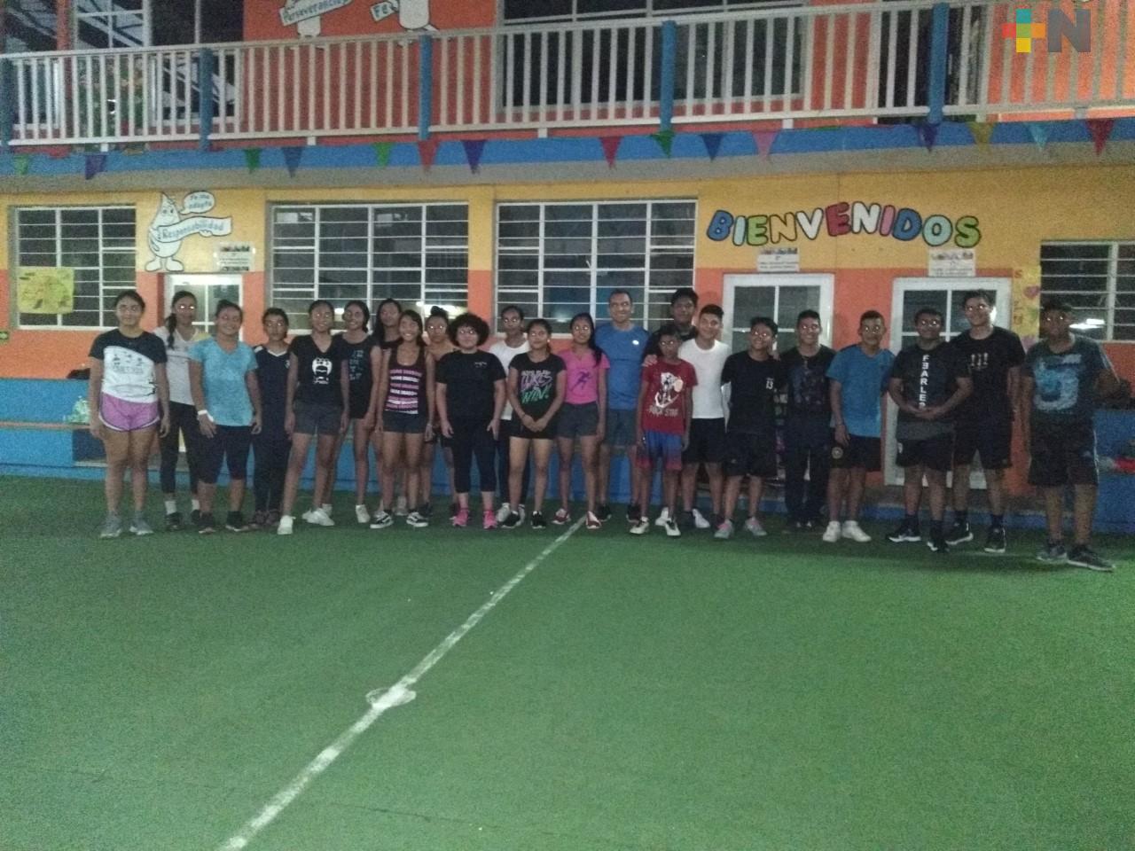 Entrenan rumbo a estatal de balonmano en Boca del Río