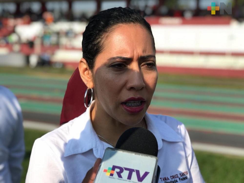 Cuotas voluntarias en escuelas no deben condicionar inscripción de alumnos: diputada Tania Cruz