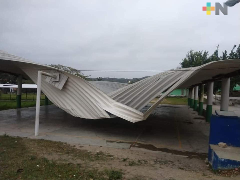 Afectadas 63 escuelas de 54 municipios de Veracruz por el Frente Frío 41: Zenyazen Escobar