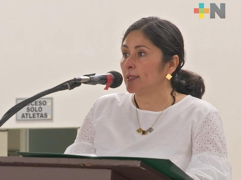 """SEV entrega equipos de cómputo para docentes del programa de """"Tecnologías educativas y de la información"""""""