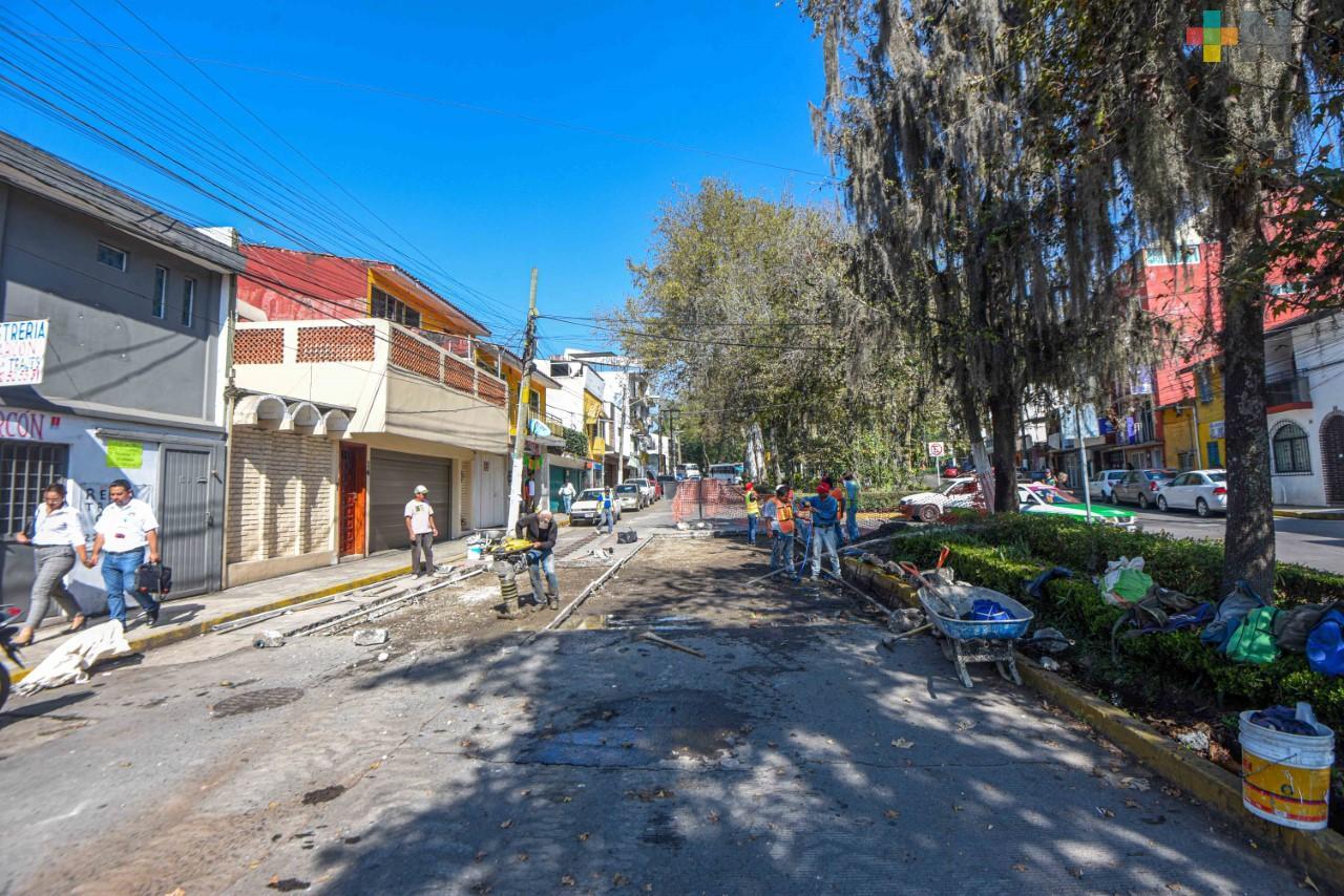 Avanza rehabilitación de la calle Miguel Hidalgo