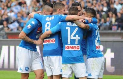 Nápoles deja escapar ventaja ante Barcelona en Champions