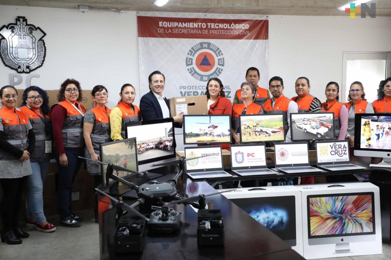 Adquiere Protección Civil equipamiento tecnológico