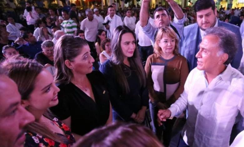 Se disuelve grupo legislativo disidente que servía a familia Yunes