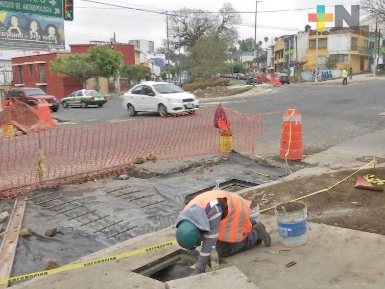 Siguen trabajos de rehabilitación en calles de Xalapa