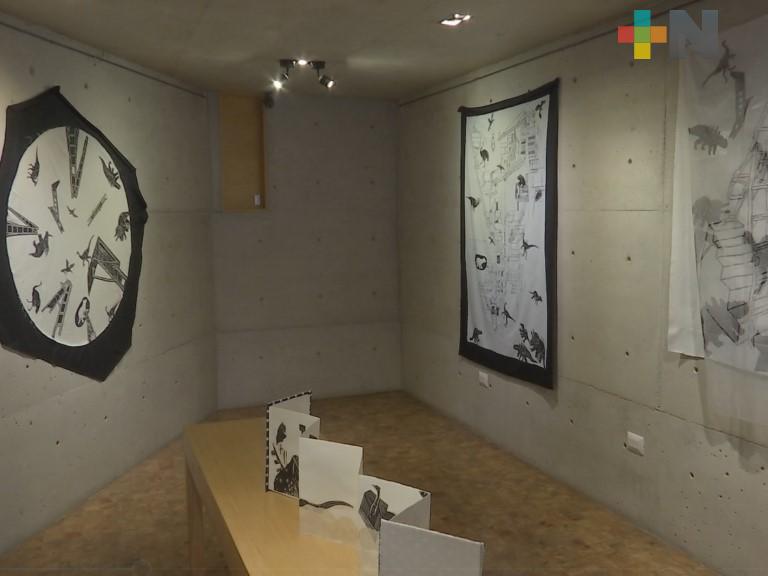 """Continúa exposición """"Biblioteca de la Prehistoria"""" en galería Flavia"""