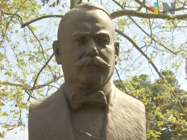 Conmemoraron natalicio del general Álvaro Obregón en el parque Revolución de Xalapa