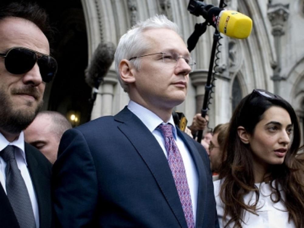 México ofrecerá asilo a Julian Assange