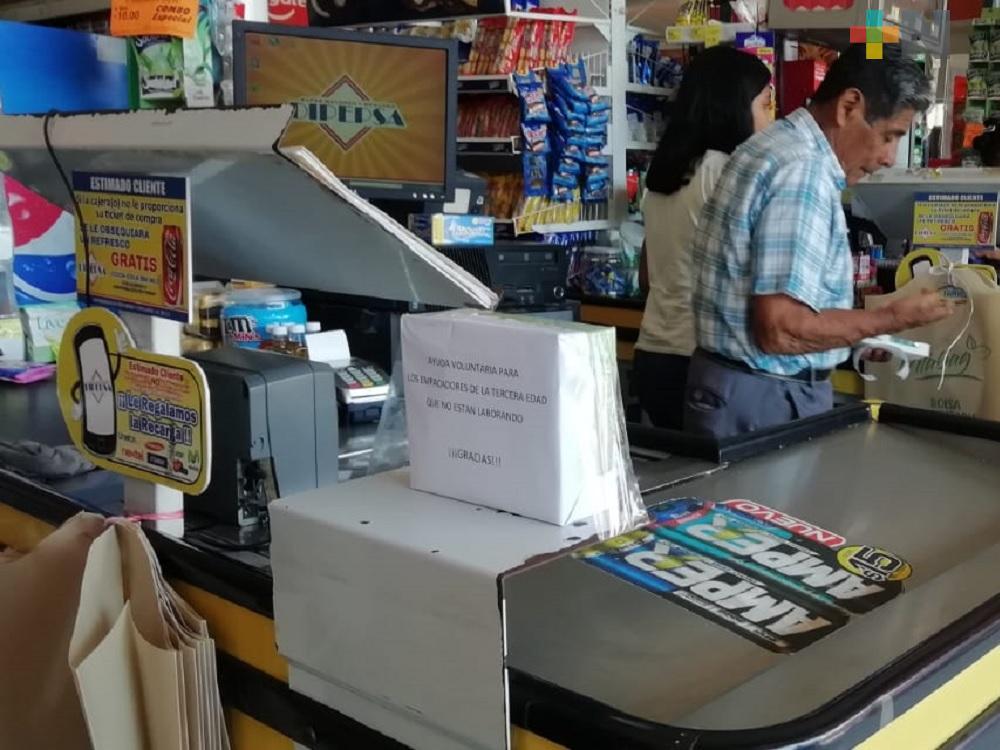 Centros comerciales de Coatzacoalcos recaudan dinero para   empacadores de la tercera edad