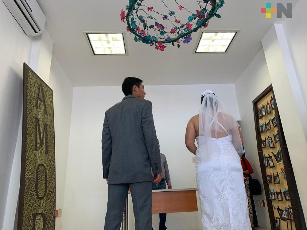 Realización de bodas debería considerarse como medida emergente: Amelia Hernández