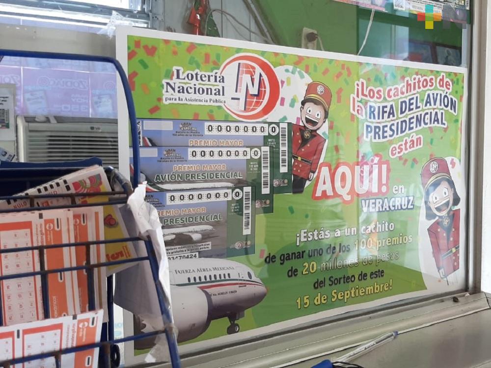 En Xalapa se agotan boletos del sorteo del avión presidencial