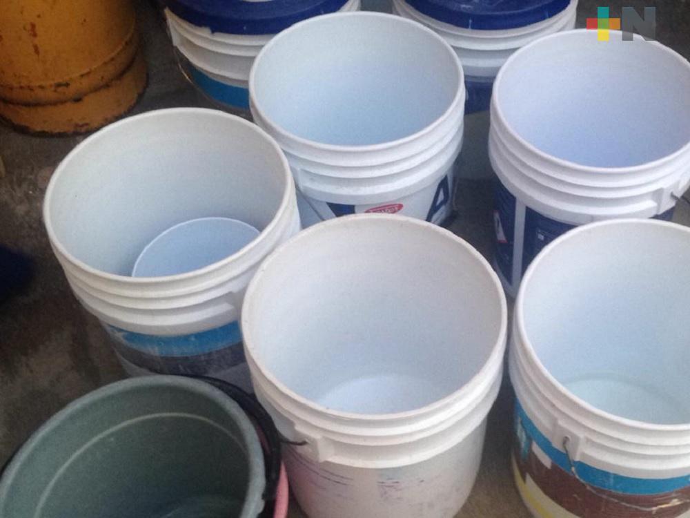 Con escasez de agua, habitantes de Coatzacoalcos enfrentan contingencia sanitaria