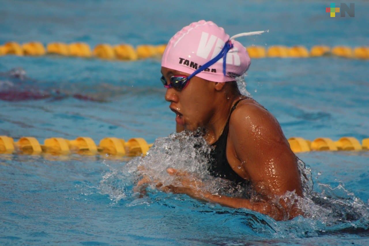 Suma natación veracruzana primera presea dorada en Grand Prix Junior Monterrey 2020